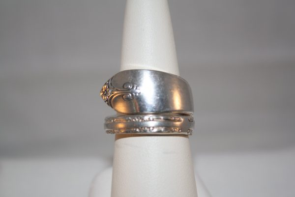 Exquisite Ring 2
