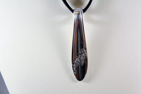 Queen Bess Handle Slide Necklace