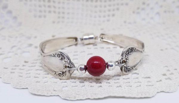 Elegant Lady Red River Bead Bracelet
